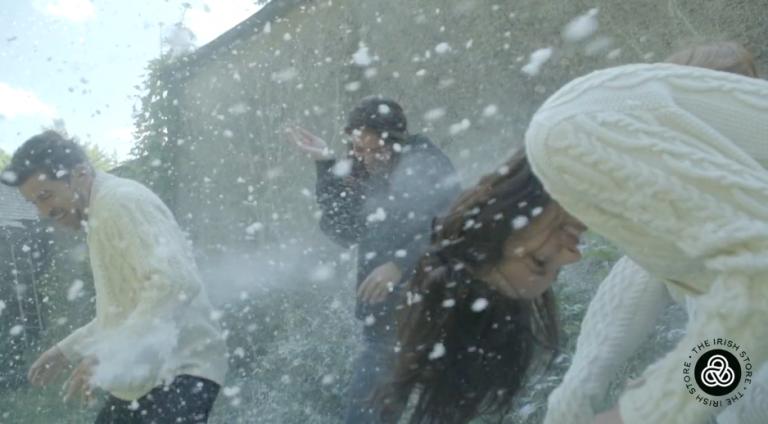 IRISH STORE CHRISTMAS SNOW
